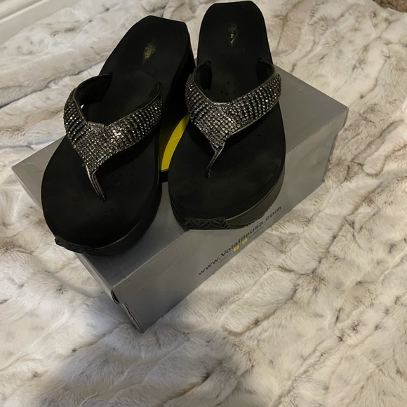 Volatile sandals with silver rhinestones size 8